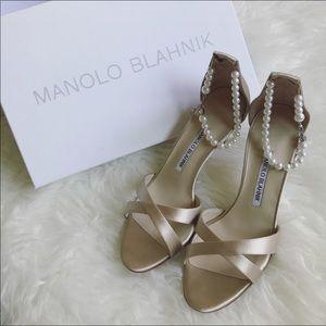 brand new!!manolo peal 5cm heels